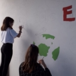 Réalisation d'une fresque au Pôle Enfance
