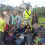 potager et parterres près du Trésor public, réalisés par les enfants des TAP avec l'aide de la commission aménagement